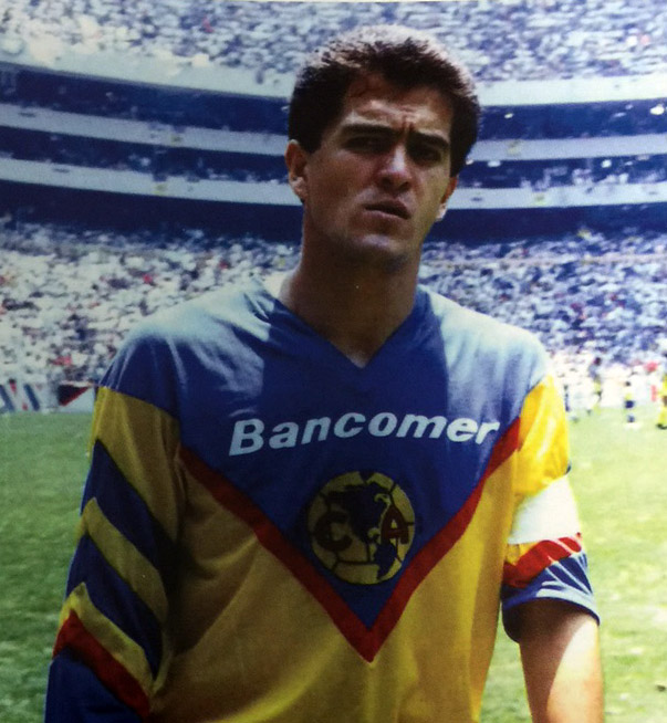 Carlos Hermosillo 89